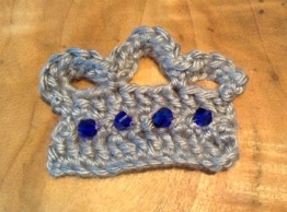 crochet crown fin